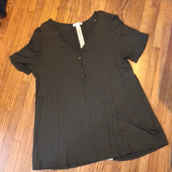 Tops - Dark olive top w creamy lace accent back